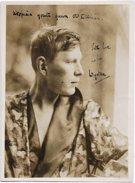 the life and work of wystan hugh auden Wystan hugh auden is considered one of the finest poets of the twentieth century, occupying a position among the likes of t s eliot and ezra pound he was remarkably prolific and experimental in his poetry his early stage was characterized by an eliot-like modernism, his middle stage incorporated.