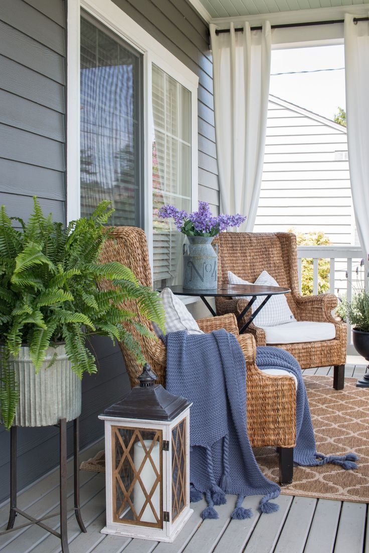 Front Porch Refresh For Summer Saw Nail And Paint Front Porch Seating Small Porch Decorating Summer Porch Decor