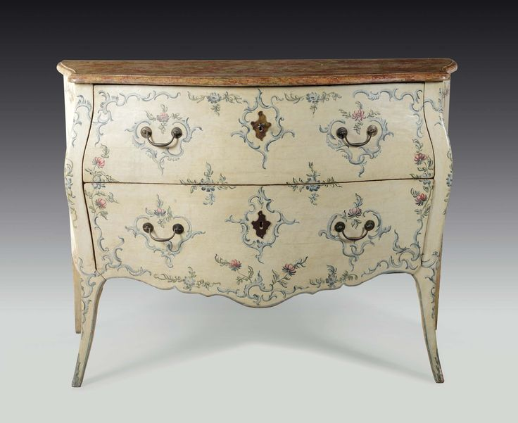 Comò Luigi XV a due cassetti, Genova, seconda metà XVIII secolo
