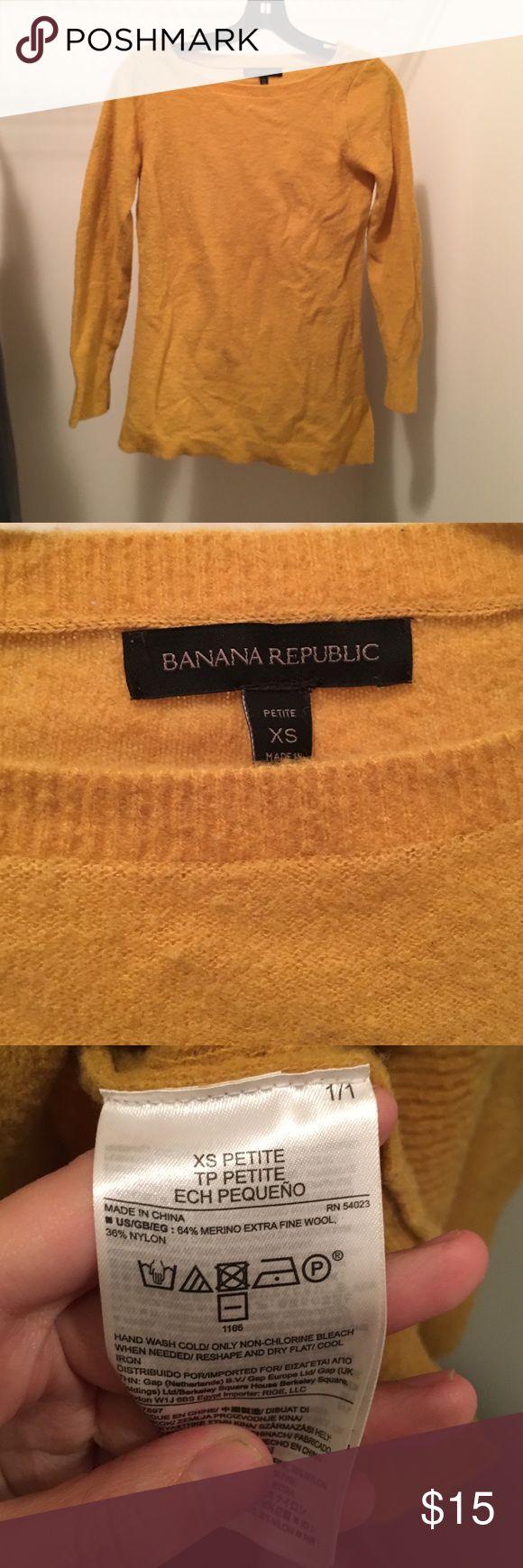 Yellow sweater Banana Republic yellow sweater in petite xs Banana Republic Tops Sweatshirts & Hoodies