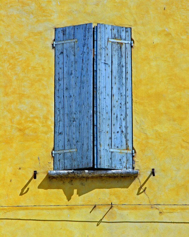 another blue window  in Mantova, Italia;