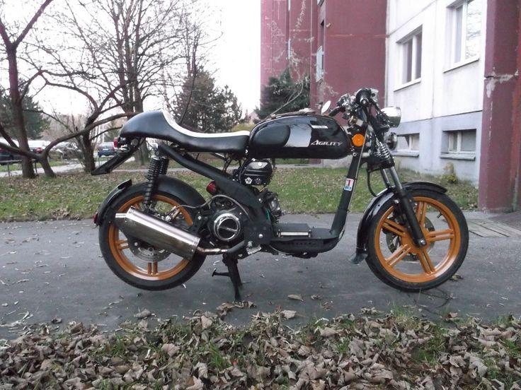 cafe racer scooter = cafeter