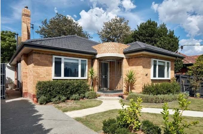 Image Result For 1960s Yellow Brick Australia Renovated Brick Exterior House Yellow Brick Houses Brick House Exterior Colors