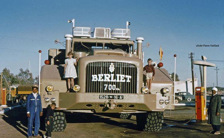 Ouargla 1959, le T100 n°2 à Ouargla.