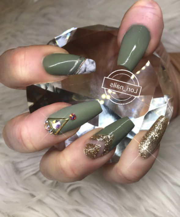 33 Cutest and Trendy Green Acrylic Nails and Green Matte Nails Design for Prom and Party