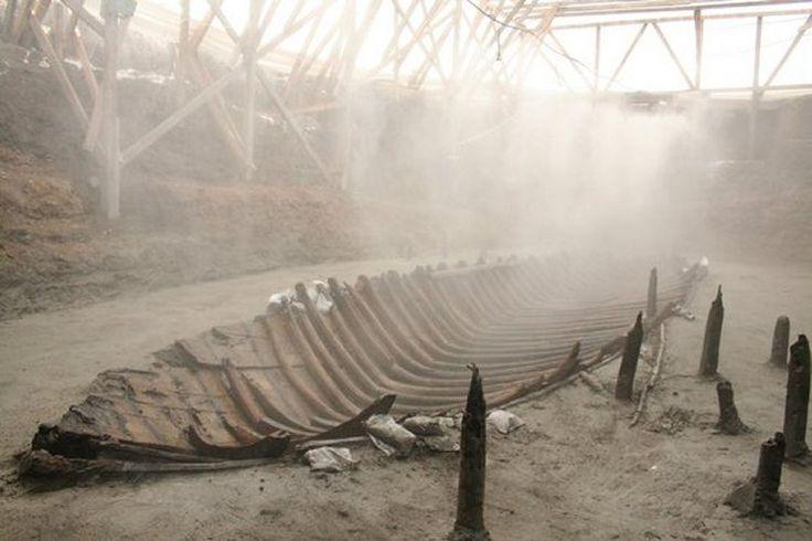 YK 14 adı verilen Yenikapa batığı 9. yüzyıl ticaret gemisi idi.  Texas A & M University'de Denizcilik Arkeolojisi Enstitüsü'nden / M.  Jones