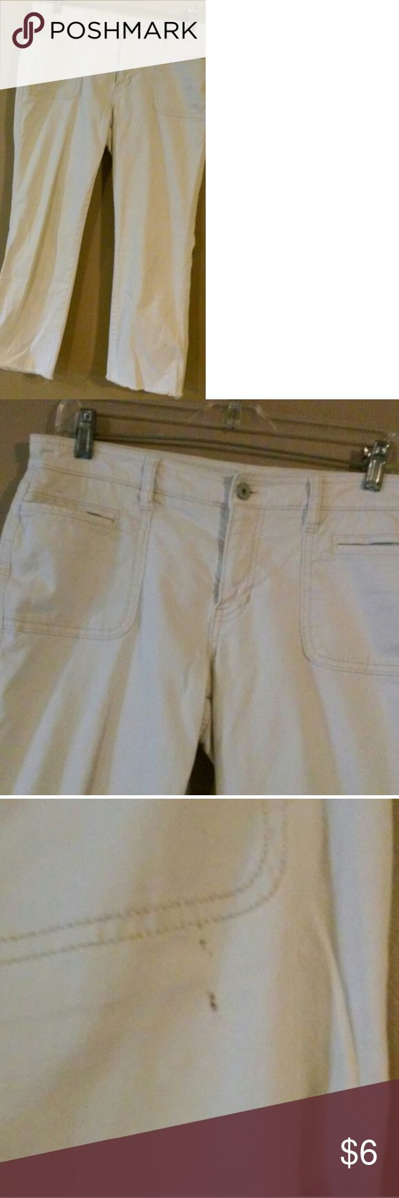 Gap Khaki capris size 8 Pictures show the front and back these are so cute and go with anything Pics show stains they are small one is on front bottom leg (last pic) other is in pic 3 Price reflects stains and wear these have alot of wear left  *Smoker GAP Pants Ankle & Cropped