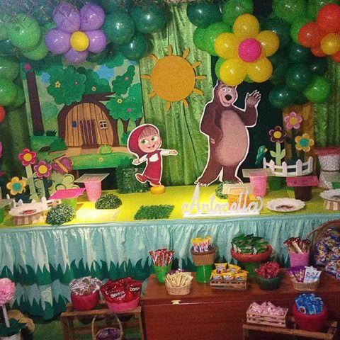 Aquí te mostramos parte de nuestro trabajo en una decoración Masha y el Oso.. #decoraciones #decoracion #mashayeloso #masha #piñateria #eventos #fiestainfantil #fiesta Contáctanos por el 04121211362 o escríbenos al Direct