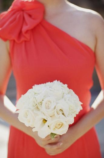 Coral and white wedding, white bouquet and coral bridesmaid dress #coralwedding #weddingbouquet #bridalbouquet #bridesmaiddress #whitebouquet