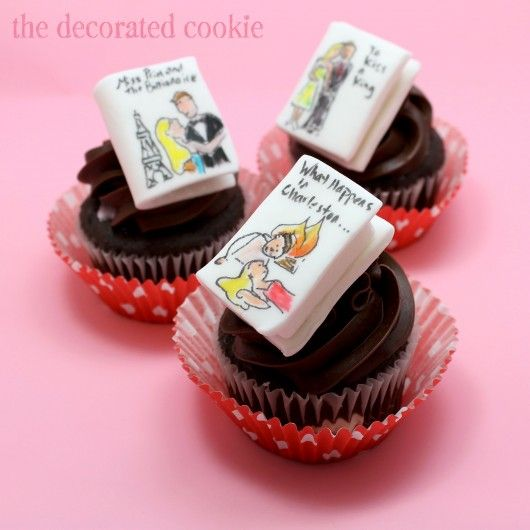 Romance novel cupcakes (by the decorated cookie)