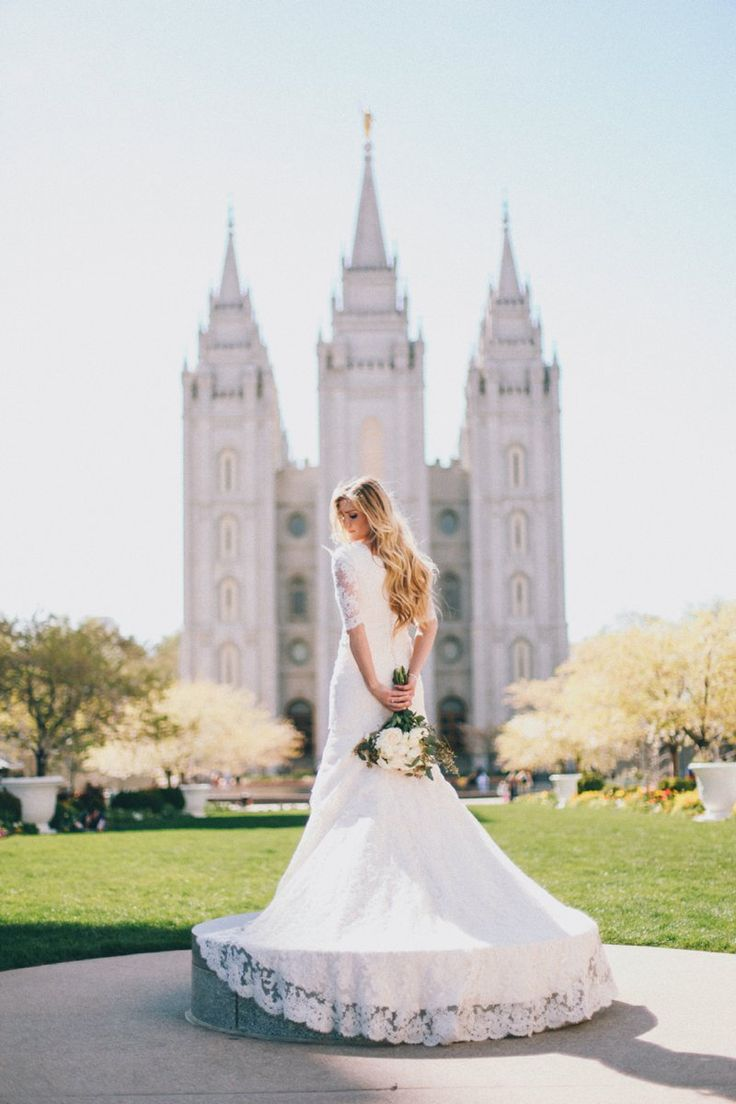 TESSA BARTON: Mikelle & Kacen The latter day saint bridal pictures are so pretty.. too bad i don't agree with their beliefs one bit.. i would love to have such a gorgeous background