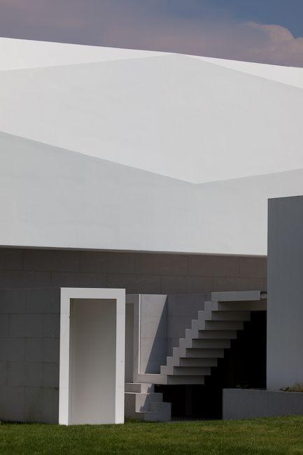 Fez House / Alvaro Leite Siza Vieira #stairs #stylepark