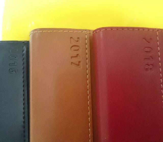 . 来年もよろしくね。 . . #手帳 #2016 #2017 #2018 #NOLTY #能率手帳 #3年目 #一度買ったら #浮気できない #村上さんとおそろい (笑)#使い勝手最高 #再来年は #青 かな?