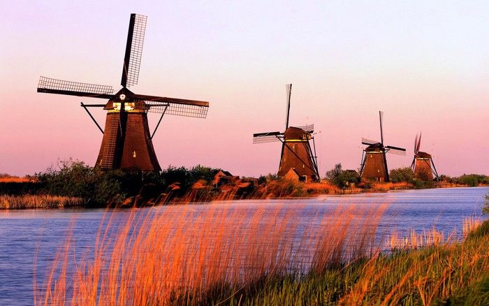 Kinderdijk is a village in Netherlands, about 15 kilometers away from Rotterdam.An entire system of 19 windmills was built in this village almost 270 years ago, and they are now part of UNESCO World Heritage Site. There are a lot of symbols that come to our mind when we think about Netherlands. Among them …