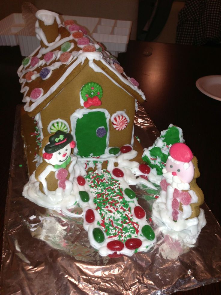 Monday Funday - Gingerbread House Done Right - Smart Snobs christmas, Gingerbread House, Holiday
