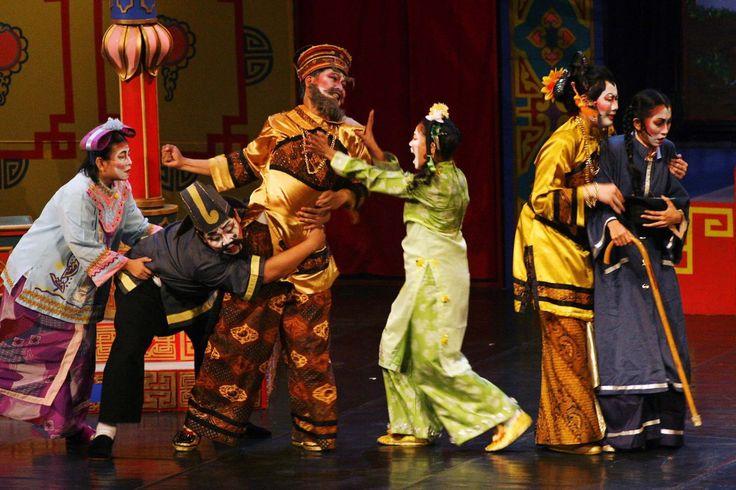 Mengenal Pertunjukan Seni Teater Tradisional Indonesia