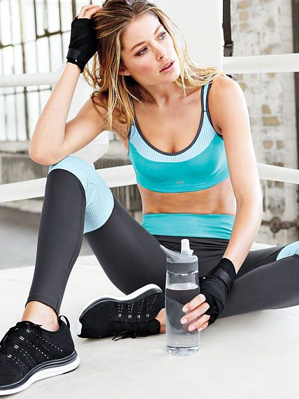 cute workout gear matching sports bra and pants