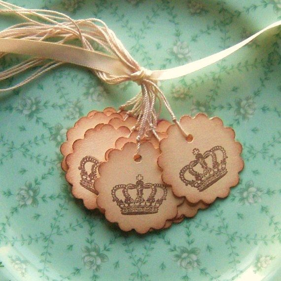crown gift tags