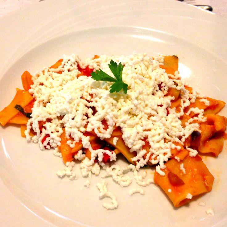 Maltagliati con ragù di menanzane e ricotta fresca. Al ristorante Le regard de #lareservespa a #caramanicoterme #abruzzo