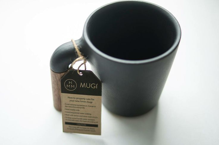 New HMM™ Mugr, a very beautiful black ceramic mug with walnut wood handle.  This item will be on market from May 2014.