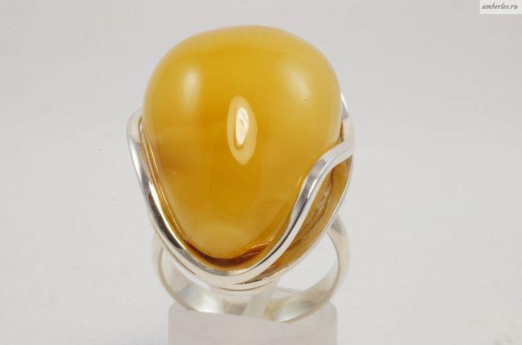 Янтарное кольцо КО082