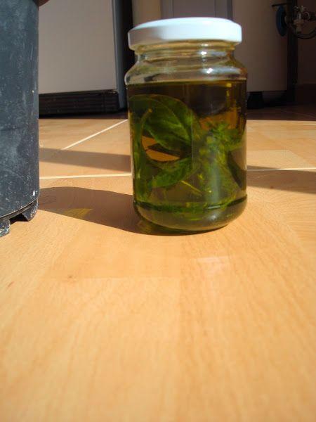 Cómo preparar aceite de Albahaca