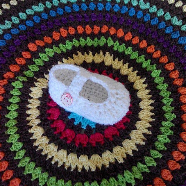 The Loop growing bigger ^^ . Crochet Rainbow Round Table Mat