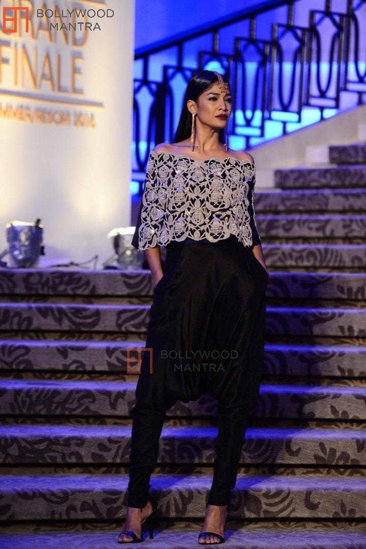 | Celebs at Abu Jani & Sandeep Khosla's show at Lakme Fashion Week 2015 Photo #354