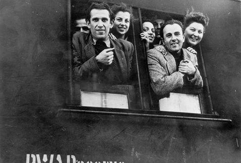 refugiados, exiliados, segunda guerra mundial, hitler II guerra mundial, tren antiguo