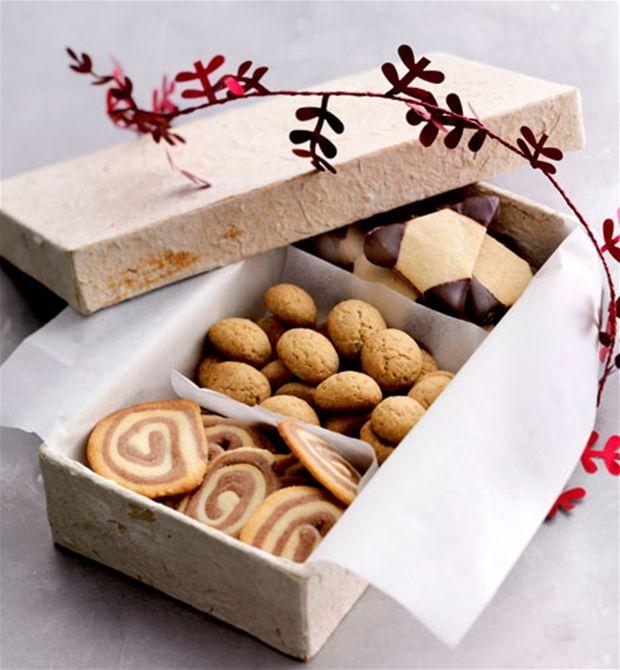 Juletid er lig med hjemmebag - her får du 4 opskrifter på nogle af julens bedste småkager.
