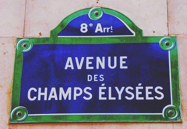 Don't pray for us, pray for it to stop... for everyone 😢. . . . . #paris #france #法國 #巴黎 #フランス #パリ #francia #파리 #프랑스  #prancis #frankrijk #فرانسه #frança #франция #парис #ฝรั่งเศส #ปารีส #fransa #pháp #photo #photooftheday #picoftheday #sad #news #champselysees #mourning #peace #love #stop