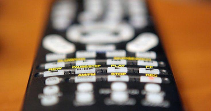Cómo volver a programar los canales perdidos en un televisor JVC. Cuando usas un televisor JVC es posible programar algunos canales específicos. Esto te permite evitar algunos que no deseas o que tu aparato no recibe bien (esto es muy útil con las conexiones basadas en una antena). Sin embargo, si has perdido canales en tu JVC, deberás volver a programarlos en la memoria de la televisión.