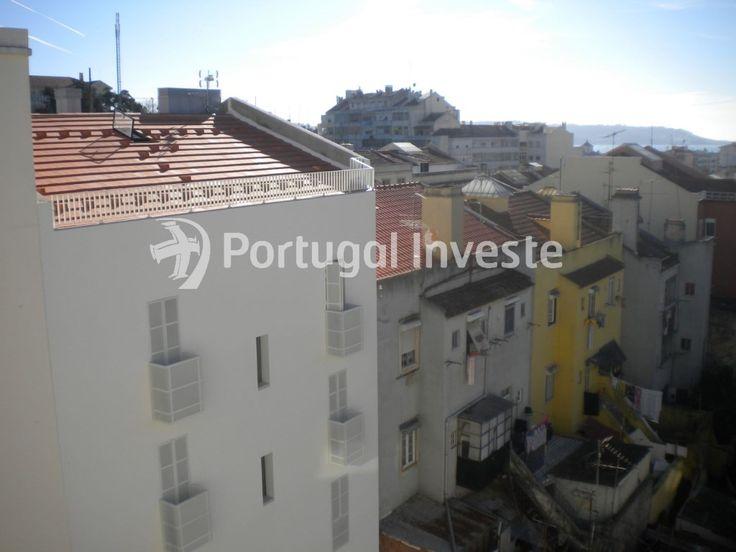 Vende apartamento T2, remodelado, vista de rio, Rio Seco, Ajuda - Portugal Investe