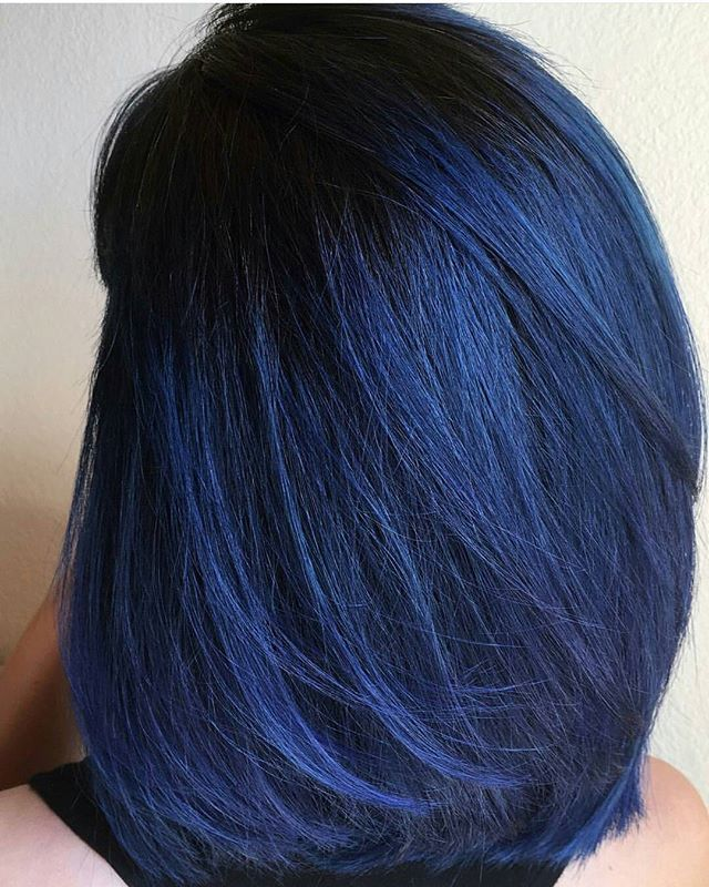 My new hair by my niece, the one and only @beautybyesty #bluehair #darkhair #vibranthair #hairdid #ilovemyhair