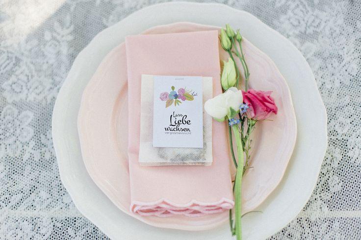 #gastgeschenk #blumensamen DIY des Monats Juni: Blumensamen als Gastgeschenke | Hochzeitsblog - The Little Wedding Corner