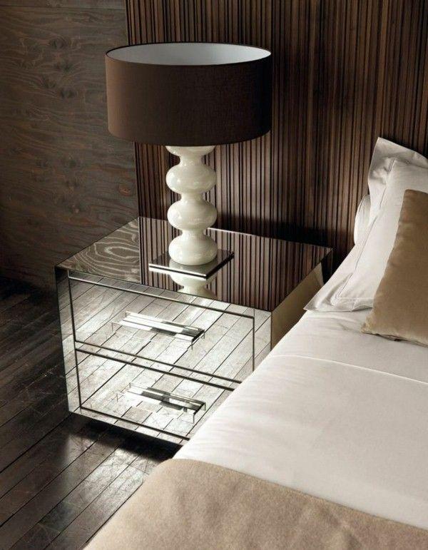 table de chevet surface miroir design d'argent