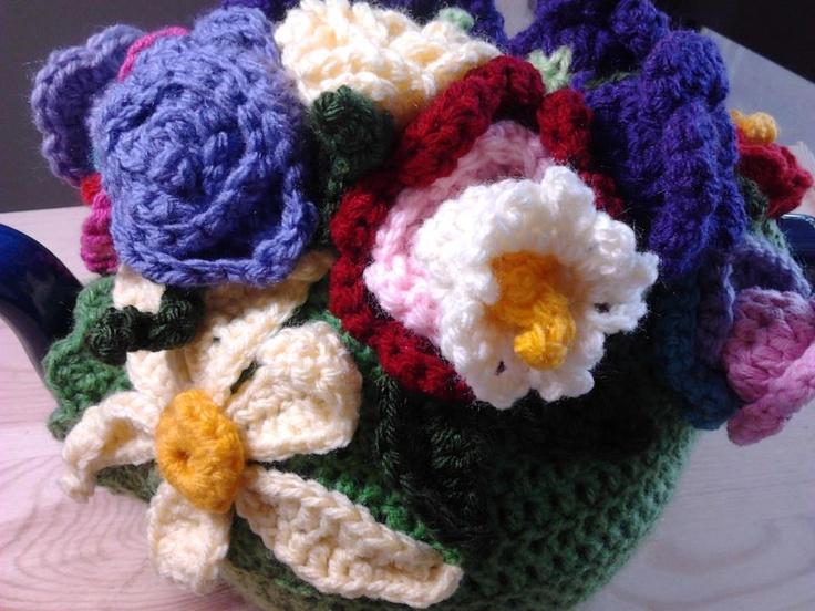 Flower crochet tea cosy with sunflower