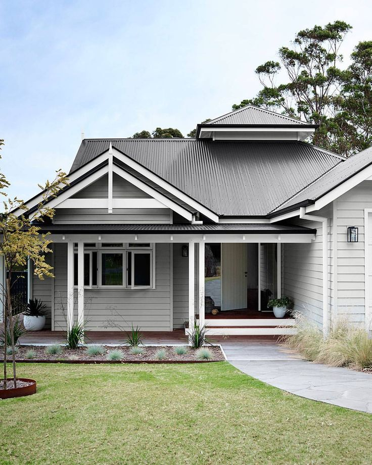 """742 Likes, 19 Comments - Bunnings Warehouse (@bunnings) on Instagram: """"Transform the exterior of your home with a fresh coat of paint Styled by @breeleech…"""""""
