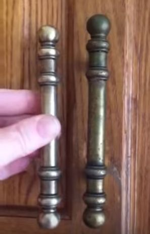 How To Clean Kitchen Cabinet Hardware and Knobs & Best 25+ Cleaning kitchen cabinets ideas on Pinterest | Cleaning ... kurilladesign.com