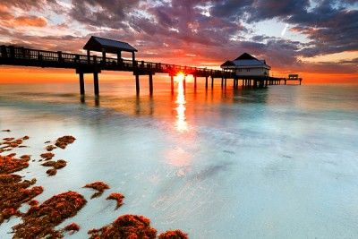 Clearwater Beach, Florida. Beautiful white sand beach and warm waters of the Gulf. | floridatravellife...