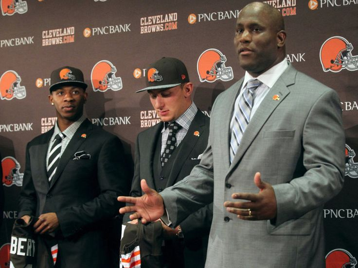 Report: Browns to fire Ray Farmer and keep Mike Pettine = Cleveland Browns general manager Ray Farmer and head coach Mike Pettine haven't exactly seen eye to eye during their time together. Farmer was suspended four games to start the 2015 season for texting down to the field during a game in.....