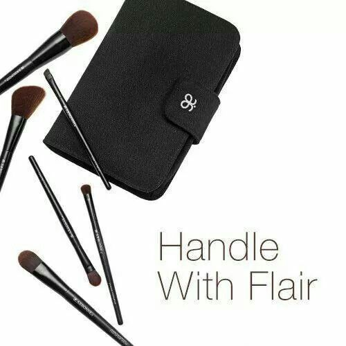It's brush hour! Our newly designed, comprehensive brush set features artfully engineered brushes with soft, angled bristles for achieving the perfect natural look. Six brushes: Liquid Foundation, Powder, All Over Eye, Shading, Slant and Cheek. Shop now at www.arbonne.ca ID#116380073. #arbonne #makeup #safe #pure #foundation