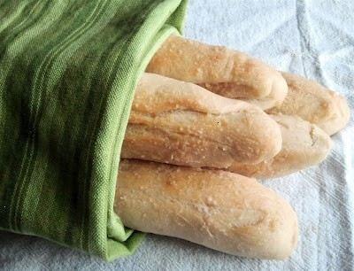 olive garden breadsticks: Fun Recipe, Copy Cat Recipe, French Loaf, Sea Salts, Olive Garden Breadsticks, Olive Gardens, Readable Eatable, Olives Gardens Breadsticks, Copycat Recipe