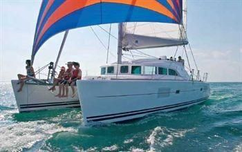 2003 Lagoon 380 Sail New and Used Boats for Sale - au.yachtworld.com