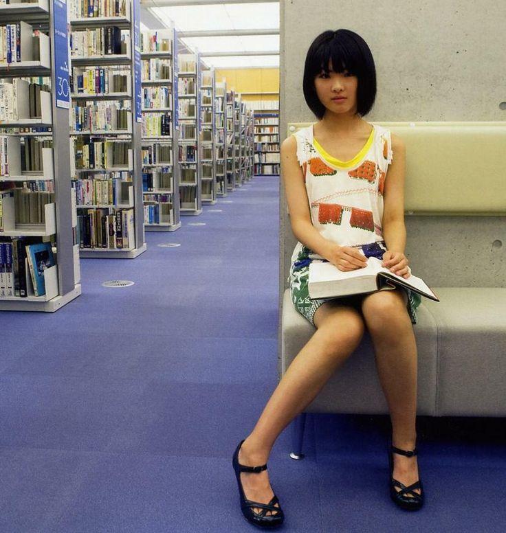 福田麻由子さんのショートパンツ姿