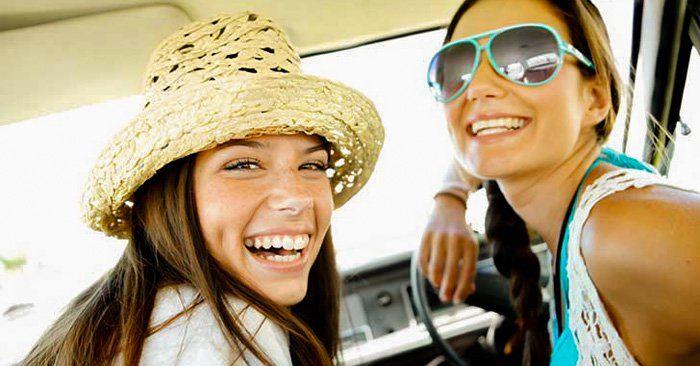 Tener una hermana mayor es casi igual a tener una mejor amiga en casa. Existen muchas razones para considerarla un regalo de la vida, aquí están esas razones.