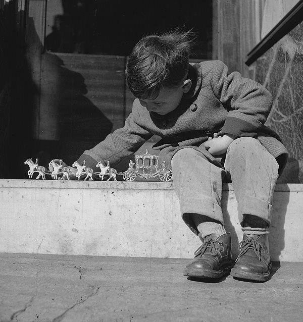 Avril 1953, Roger Viollet