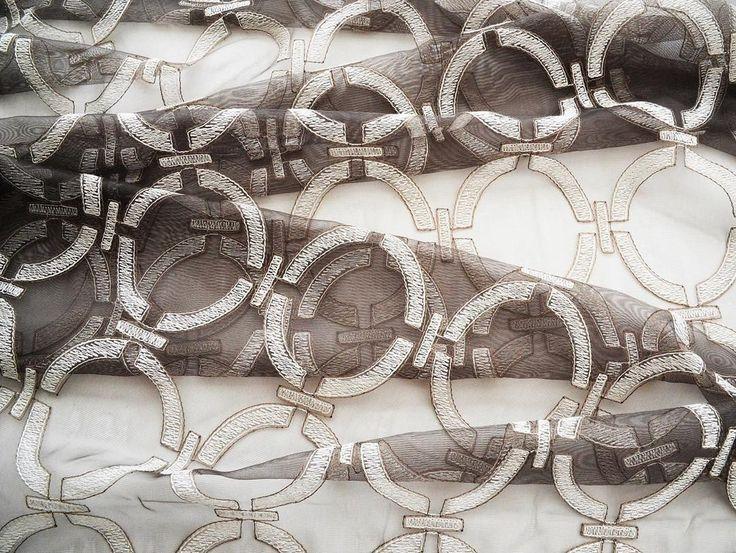 Эффектные тюлевые ткани вы найдете в коллекциях @persanhomestudio Огромный выбор в #galleria_arben #persan #fabric