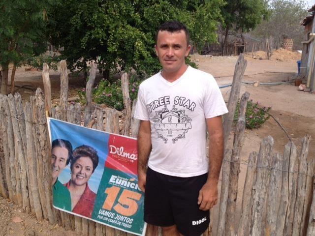 'Santuários eleitorais do Bolsa-Família' mostra que até concursado recebe benefício