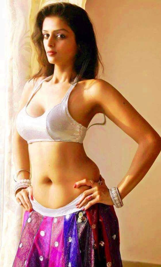 Sexiest Navel Beauty In 2019  Indian Navel, Navel Hot -4674